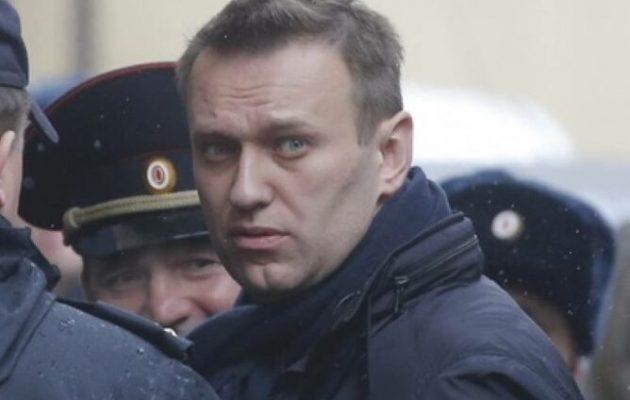 Γιατί ο «εχθρός» του Πούτιν, Αλεξέι Ναβάλνι συνελήφθη στο αεροδρόμιο της Μόσχας