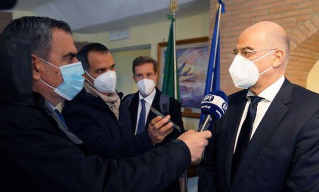 Δένδιας: Η Ελλάδα επιθυμεί ισχυρότερη ιταλική στήριξη στο θέμα των κυρώσεων στην Τουρκία