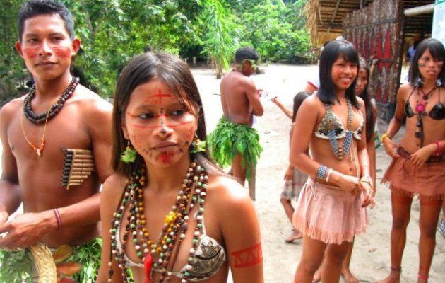Οι Ινδιάνοι στον Αμαζόνιο φοβούνται ότι εάν εμβολιαστούν θα μεταμορφωθούν σε κροκόδειλους – Ποιοι το διαδίδουν