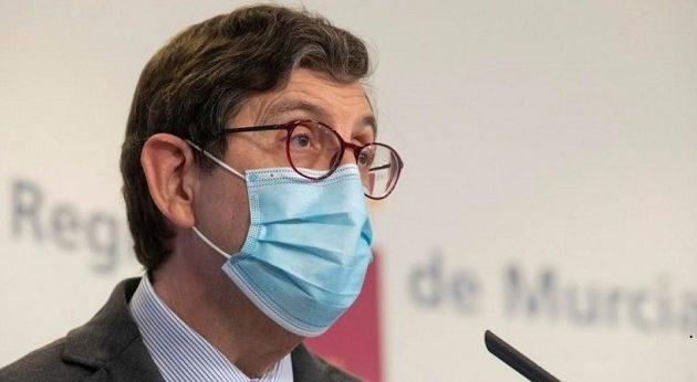 Ισπανός αξιωματούχος Υγείας παραιτήθηκε γιατί εμβολιάστηκε εκτός σειράς