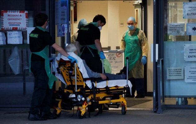 Σύμβουλος Τζόνσον: Η κατάσταση στα νοσοκομεία θυμίζει εμπόλεμη ζώνη
