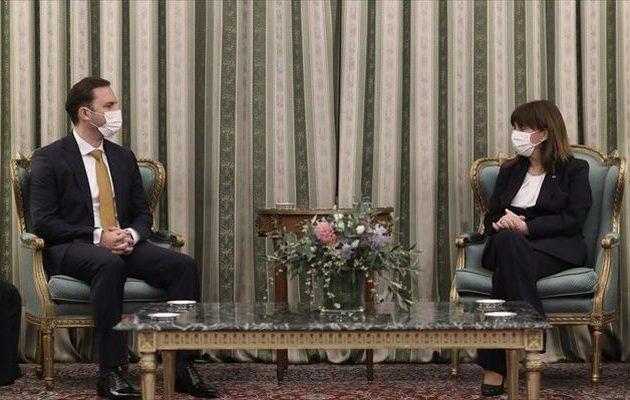 Σακελλαροπούλου σε Οσμάνι: «Πλήρης, συνεπής και καλόπιστη εφαρμογή της Συμφωνίας των Πρεσπών»