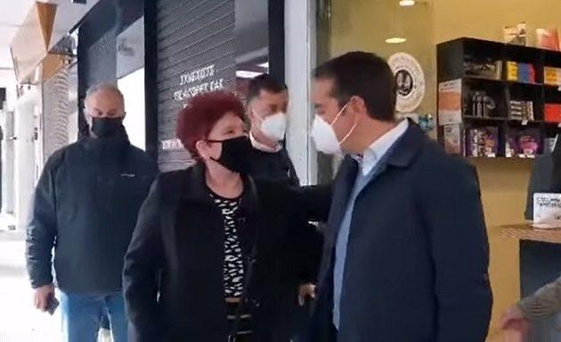 Συνταξιούχος σε Τσίπρα: «Μας κατέστρεψε – Βάλε τα δυνατά σου να βγεις πάλι» (βίντεο)