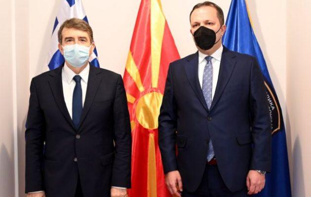 Χρυσοχοΐδης σε Σπάσοφσκι: Κρίσιμη η πλήρης, συνεπής και καλή τη πίστει εφαρμογή της Συμφωνίας των Πρεσπών
