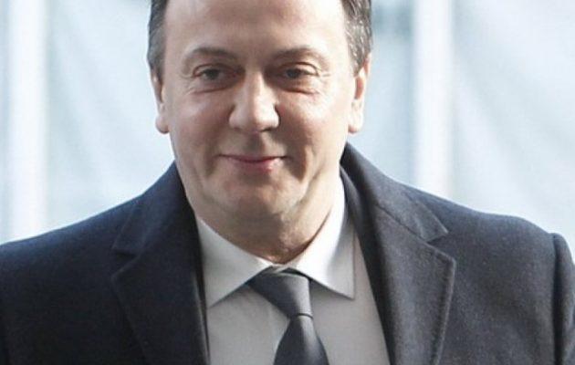 Bόρεια Μακεδονία: Διεθνές ένταλμα για τον πρώην επικεφαλής των μυστικών υπηρεσιών – Εμπλέκεται σε σκάνδαλα