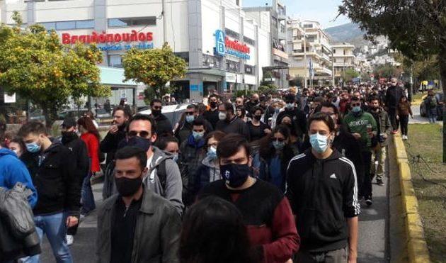 #Πονάω: Χιλιάδες πολίτες διαδήλωσαν από την Κρήτη μέχρι τη Μακεδονία ενάντια στην αστυνομική βία