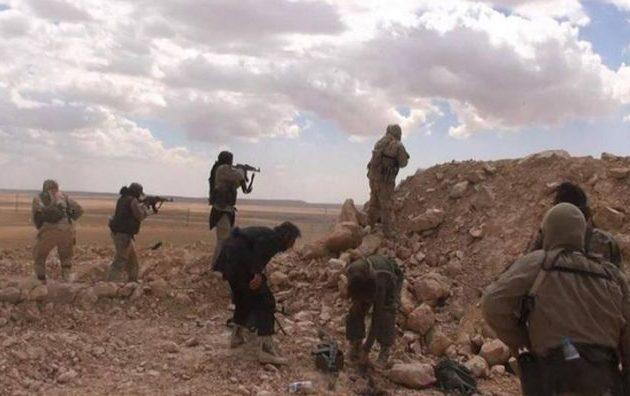 Δεκάδες Σύροι στρατιώτες τραυματίστηκαν σε μάχες με το Ισλαμικό Κράτος στην έρημο