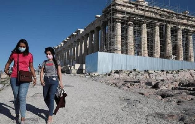 Μόλις 4,5 εκατ. τουρίστες το επτάμηνο φέτος στην Ελλάδα από 15 εκατ. το 2019