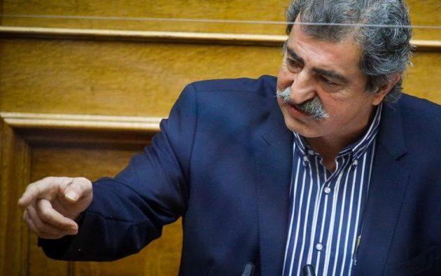 Πολάκης: Ο Γεραπετρίτης ζήτησε από επιτροπή να γνωμοδοτήσει ποιοι θα διασωληνώνονται