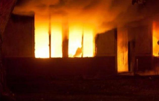Τραγωδία στη Νέα Ερυθραία: Ένας νεκρός και δύο τραυματίες από πυρκαγιά σε σπίτι