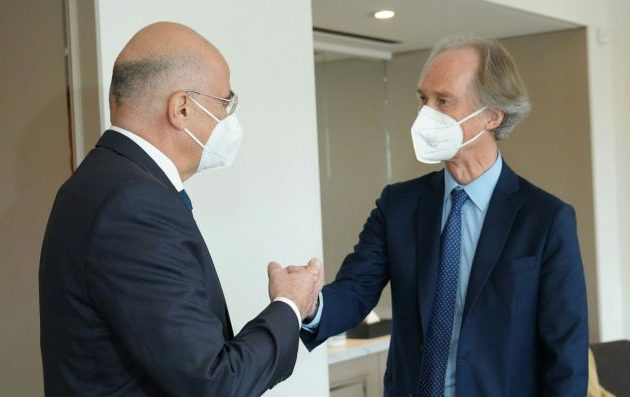 Ο Δένδιας συναντήθηκε με τον ειδικό απεσταλμένο του ΟΗΕ για τη Συρία