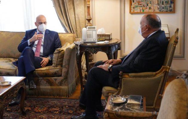 Κάιρο: Συνάντηση Ν. Δένδια με τον Αιγύπτιο ομόλογό του Σάμεχ Σούκρι