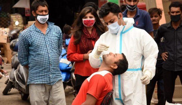 Παγκόσμιο ρεκόρ κρουσμάτων κορωνοϊού στην Ινδία