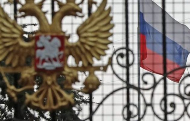 «Νευράκια» στη Ρωσική Πρεσβεία – Μόλις τους πούλησε ο Ερντογάν ήρθαν να νουθετήσουν την Ελλάδα;
