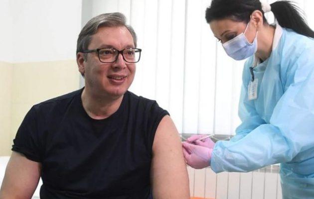 Ο Βούτσιτς έκανε το κινέζικο εμβόλιο της Sinopharm