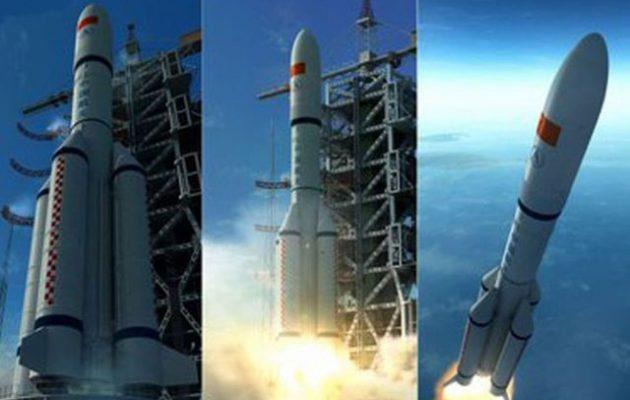 Ο κινέζικος πύραυλος Long March 5b πέφτει ανεξέλεγκτος στη Γη