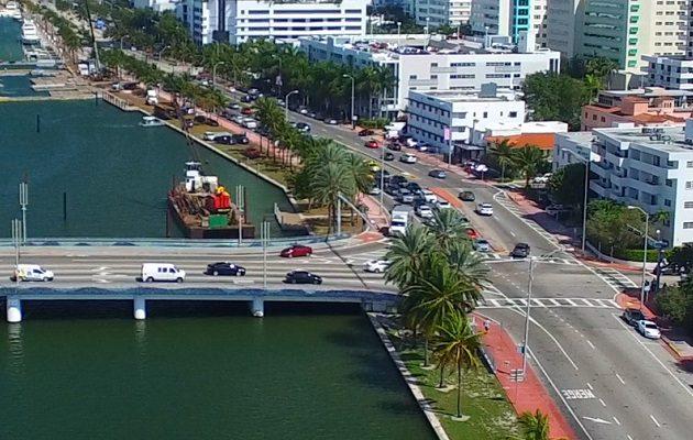 ΗΠΑ: Τέλος όλα τα περιοριστικά μέτρα για τον κορωνοϊό στη Φλόριντα