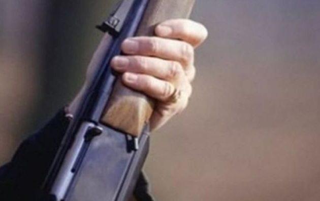 Συνελήφθησαν δύο «μάγκες» με καραμπίνες στην Αγία Παρασκευή που σκόπευαν να ρίξουν μπαλωθιές