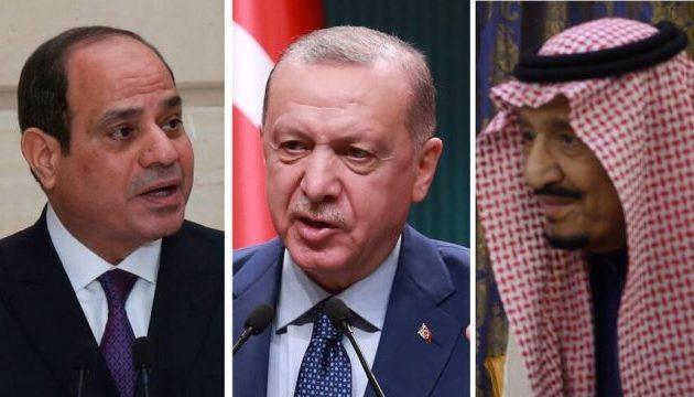 Αυτό το ανθρωπάκι είναι ο Ερντογάν: Συνωμότησε να τους ανατρέψει, να τους δυσφημίσει και τώρα ικετεύει να τον συγχωρήσουν