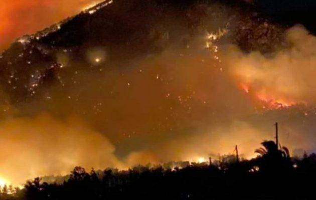 Μεγάλη φωτιά στην περιοχή της Στυλίδας