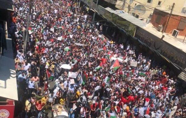 Διαδηλωτές παραβιάζουν τα σύνορα του Ισραήλ από Λίβανο και Ιορδανία (βίντεο)