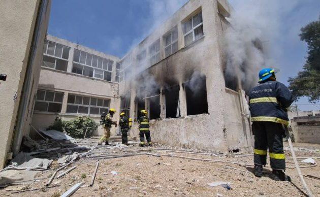 Οι φιλότουρκοι τρομοκράτες της Χαμάς βομβάρδισαν σχολείο – Θα είχαν κάψει όλα τα παιδιά (βίντεο)