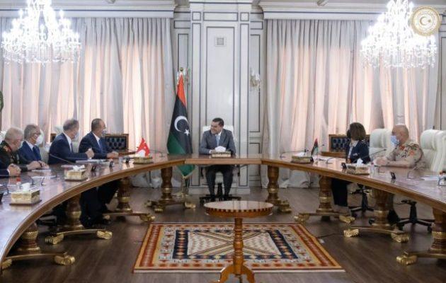 Τσαβούσογλου και Ακάρ στη Λιβύη – Λίβυα ΥΠΕΞ: Η Τουρκία να συνεργαστεί για να φύγουν οι ξένες δυνάμεις από τη Λιβύη