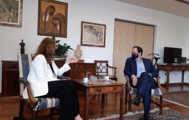 Γαλλίδα Πρέσβειρα: Είμαστε πλήρως δεσμευμένοι στο πλαίσιο λύσης του ΟΗΕ για την Κύπρο