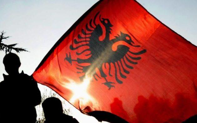 Στην Αλβανία τώρα λένε ότι ο δικέφαλος αετός δεν είναι δικός τους