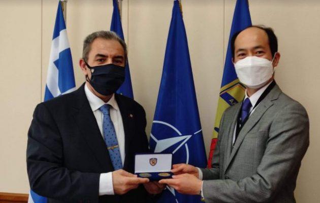 Μπαλωμένος και Άμπε συζήτησαν την αμυντική συνεργασία Ελλάδας-Ιαπωνίας έναντι των υβριδικών απειλών