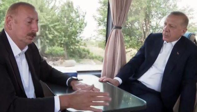 Ο Ερντογάν πρότεινε στον Αλίεφ να λεηλατήσουν μαζί τα πετρέλαια της Λιβύης – Ο Αζέρος δέχτηκε