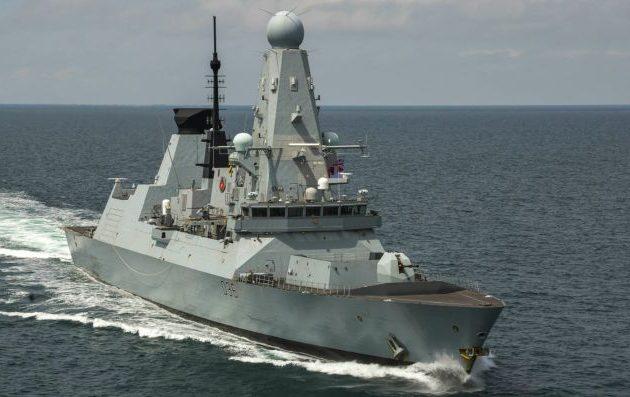 Η Ρωσία απείλησε τη Βρετανία με πόλεμο μετά την «πρόκληση» του «HMS Defender»