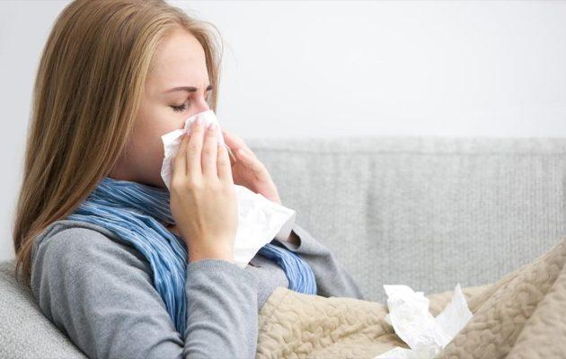 Έρευνα: Το κοινό κρυολόγημα καταπολεμά τον κορωνοϊό