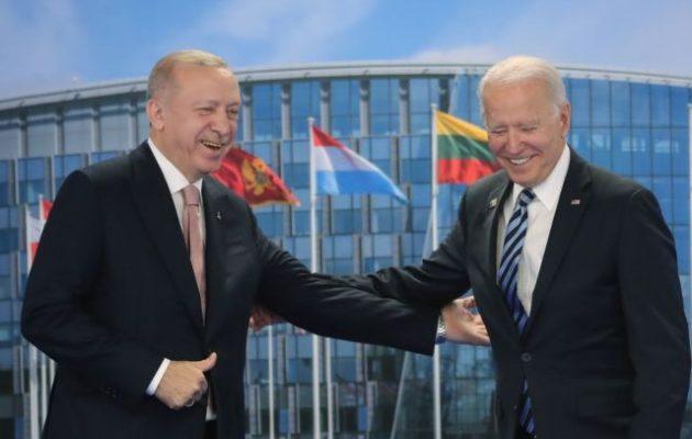 O Mπάιντεν συναντήθηκε με τον Ερντογάν – Τι ειπώθηκε