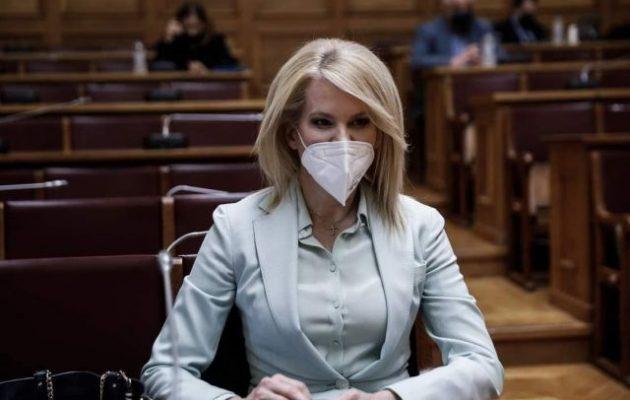 Θεοδώρα Τζάκρη: «Εύχομαι στην ΝΔ καλά ξεμπερδέματα με την NOVARTIS και τους διεφθαρμένους Υπουργούς της»