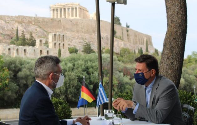 Συμμετοχή στη Διάσκεψη του Βερολίνου για τη Λιβύη ζήτησε ο Βαρβιτσιώτης από τον Ροτ