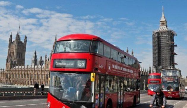 Βρετανία: Μείωση κρουσμάτων κορωνοϊού κόντρα στις προβλέψεις