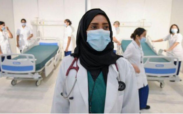 Τα Εμιράτα παραχωρούν χρυσή βίζα σε ιατρούς για να ενισχυθεί το σύστημα Υγείας τους