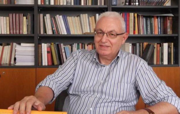 Απαγχονισμένος στο γραφείο του βρέθηκε ο πρόεδρος του Κέντρου Ελληνικής Γλώσσας Ιωάννης Καζάζης