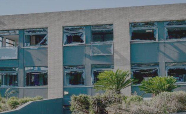 Σε πλήρη εξέλιξη οι έρευνες για τη βομβιστική επίθεση στα γραφεία της Revoil στη Βάρη