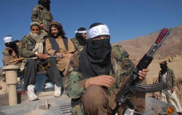 Εκατό περιφέρειες του Αφγανιστάν στα χέρια των Ταλιμπάν – Έπεσε και η Παντζουάι
