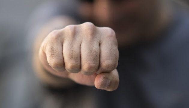 Κρήτη: Ξυλοκόπησαν γνωστό ξενοδόχο – Ποιοι και γιατί τον εκβίαζαν