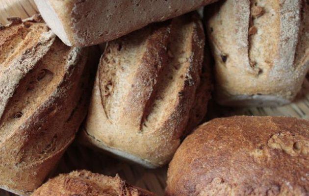 Αγγίζει το ένα ευρώ το μισό κιλό ψωμί – Τι είπε ο επικεφαλής των αρτοποιών (βίντεο)
