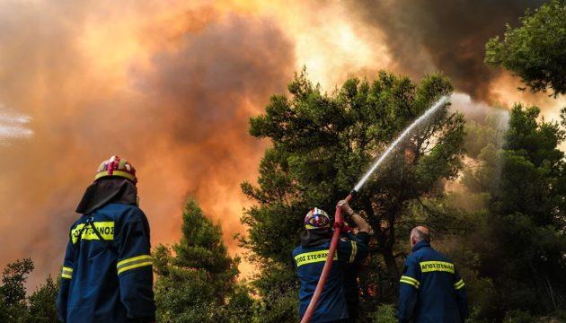 Η φωτιά μπήκε στην Ιπποκράτειο Πολιτεία (βίντεο)