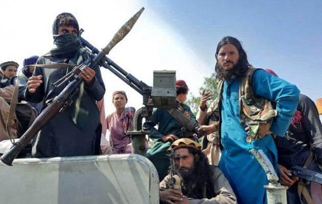Οι Ταλιμπάν απαγόρευσαν το ξύρισμα της γενειάδας στην επαρχία Χελμάντ