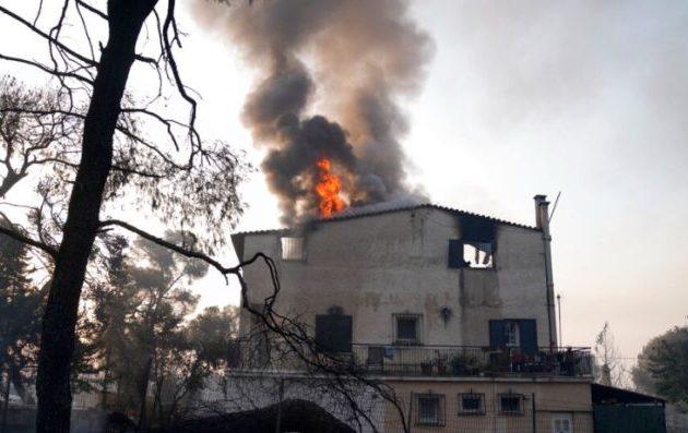 Δήμαρχος Αχαρνών: Έχουν καεί ολοσχερώς σπίτια – Η ζημιά είναι τεράστια