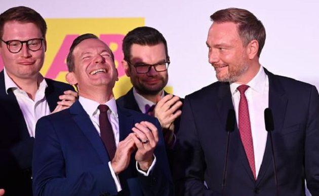 Γερμανία-εκλογές: Ρυθμιστές οι Φιλελεύθεροι (FDP) το «κόμμα των πλουσίων» – Ποιοι είναι