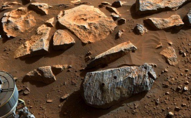 NASA: Τα πρώτα πέτρινα δείγματα από τον Άρη δείχνουν ότι εκεί ήταν μία μεγάλη λίμνη νερού