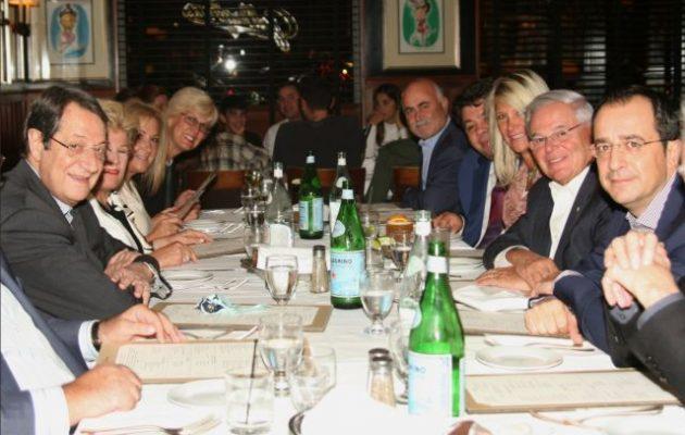 Με τον Μενέντεζ δείπνησαν Αναστασιάδης και Χριστοδουλίδης