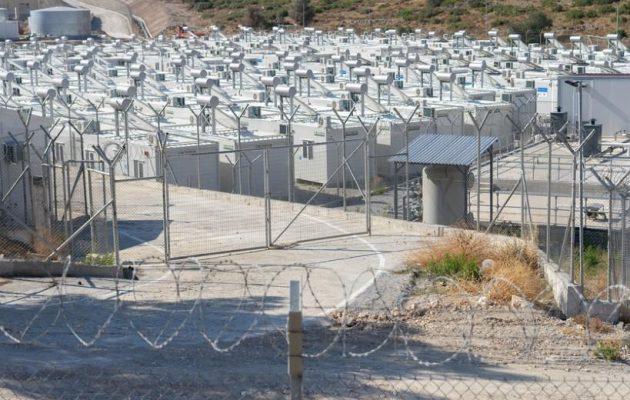 Γερμανικός Τύπος: «Συρματοπλέγματα για τους πρόσφυγες» στην Ελλάδα
